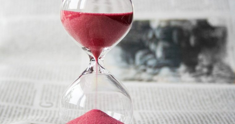 hourglass-620397_1280-min